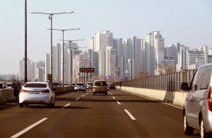 mobilità sostenibile connessione mezzi di trasporto strada